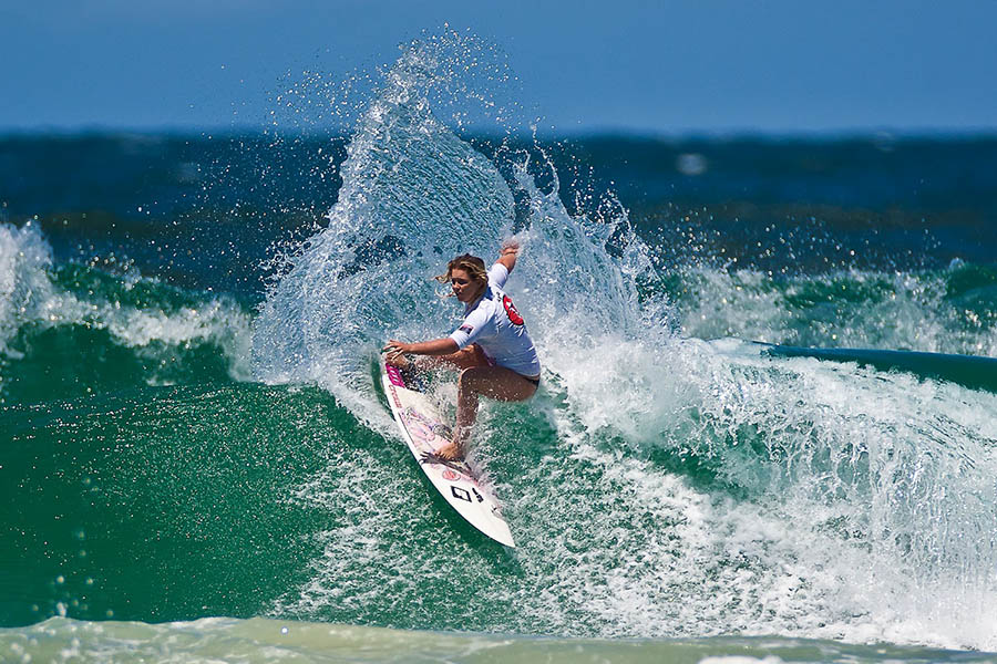 Brittani Nicholl - Surfing with a stoma