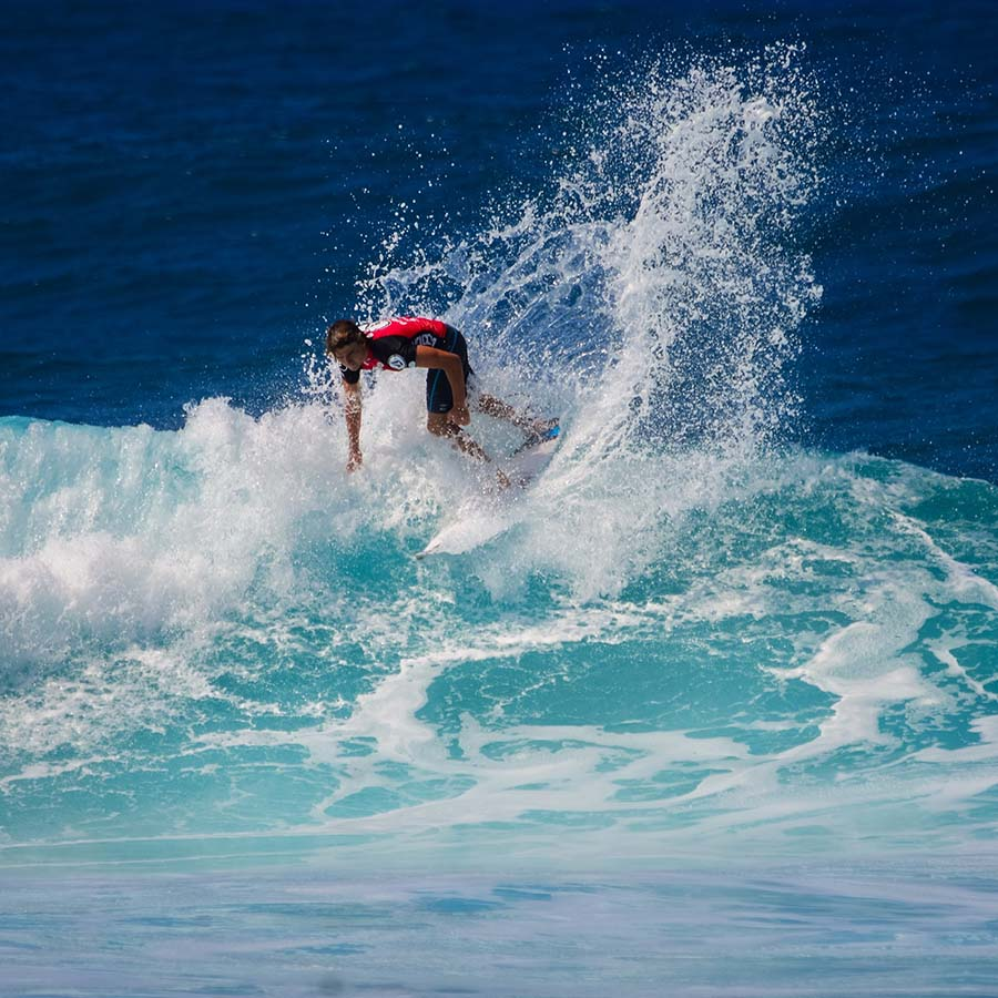 surfing with a stoma - find supportive apparrel
